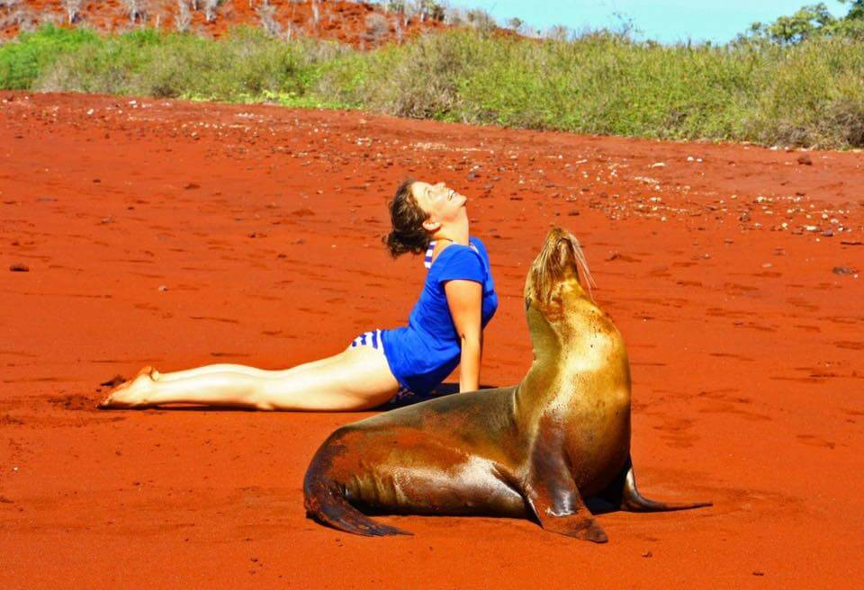 Travel Experiences,yoga-galapagos-von-adrina-braem