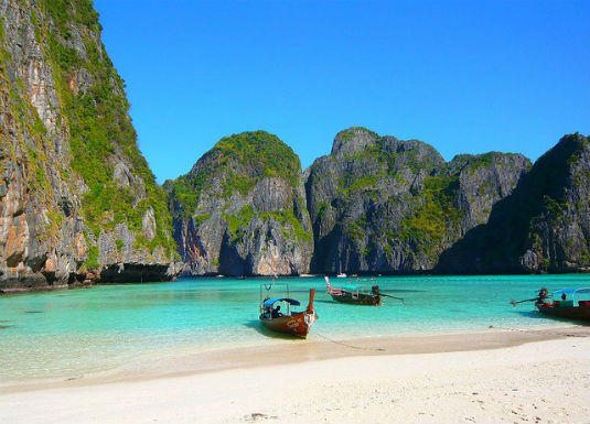 10 of the Best Places to Party in Asia. Party Koh Phi Phi2