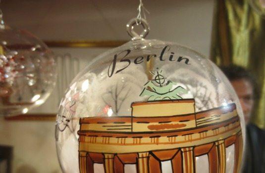Marches de Noel Berlin - boule de Noel