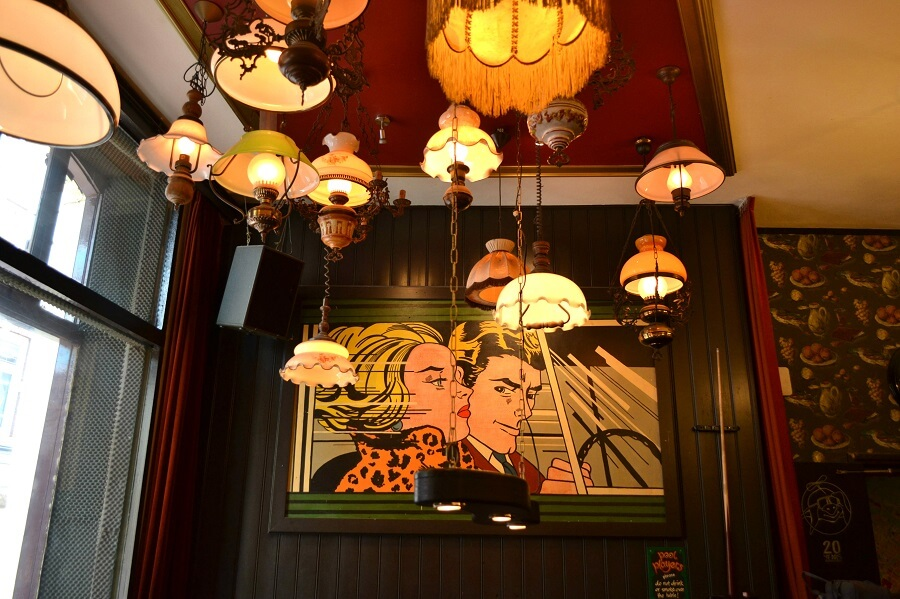 Where to stay in Amsterdam,flying-pig-lobby