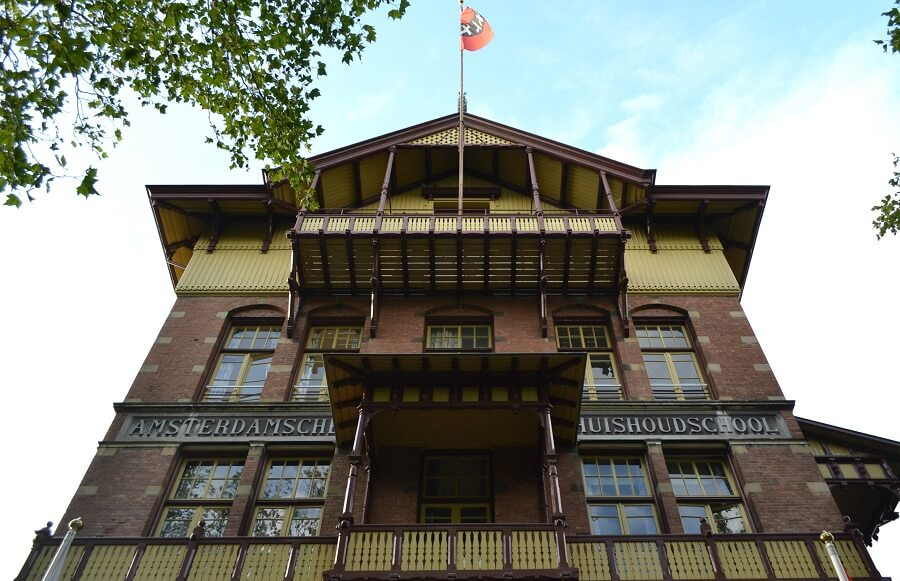 Where to stay in Amsterdam,stayokay-vondlepark