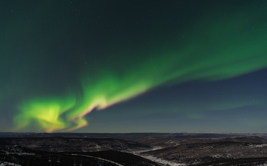 best places to see the northern lights, cleary summit aurora viewing area, fairbanks