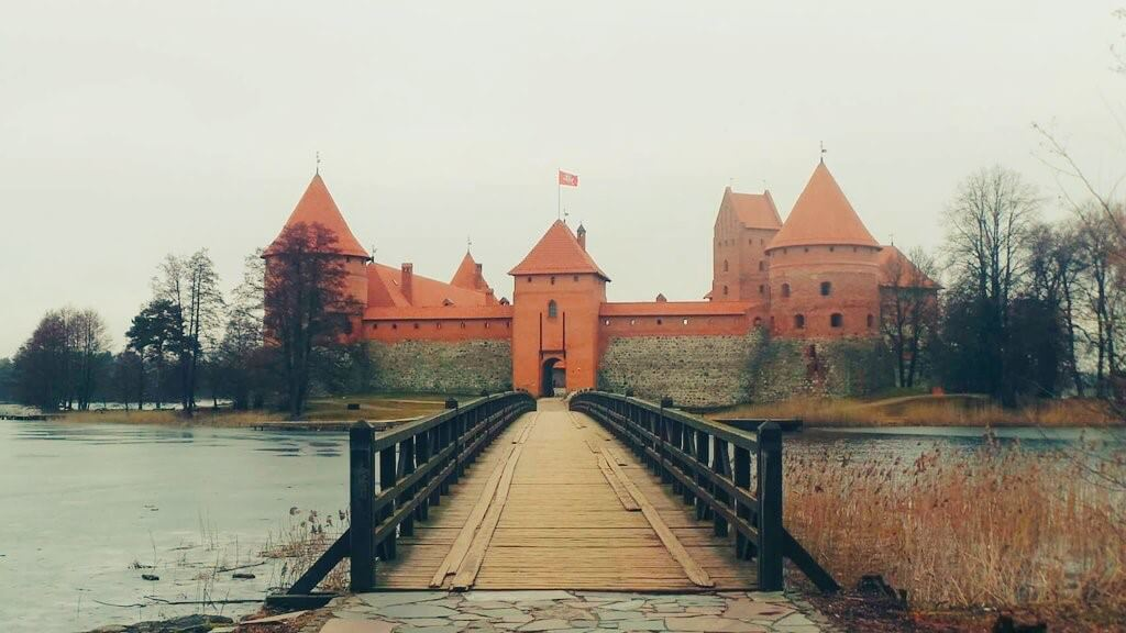 bucket list ideas - trakai island castle