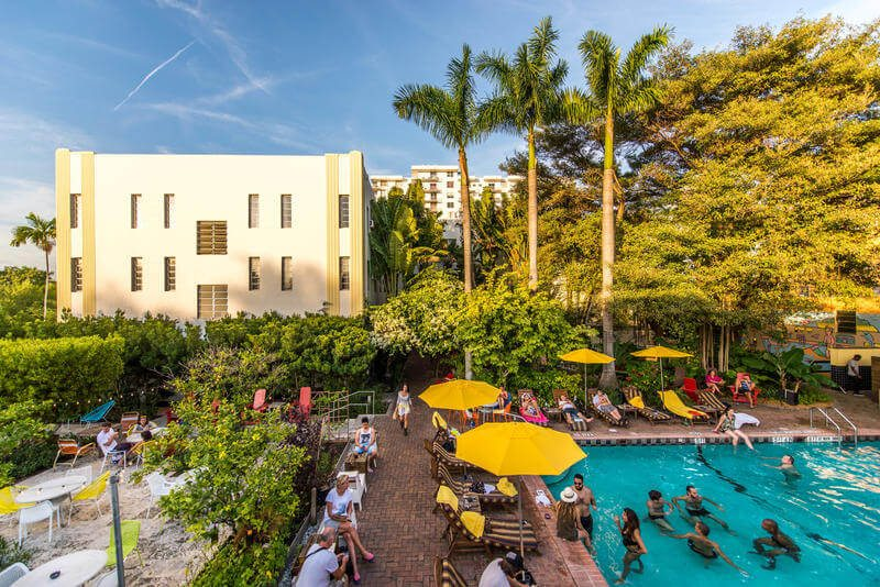what is a hostel / freehand miami
