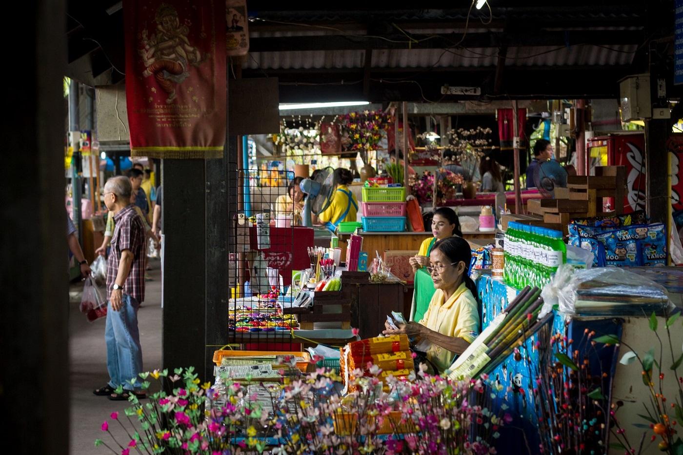 bangkok markets Bang Nam Pheung Floating Market Bang Krachao