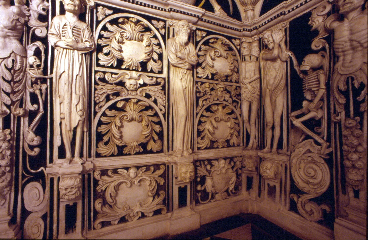 Crypt of Santa Maria - Things to Do in Malaga