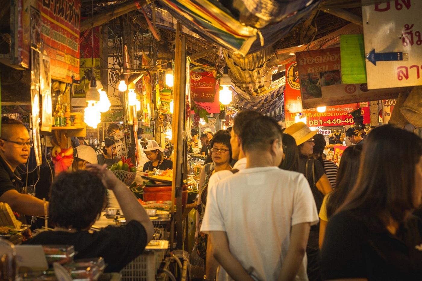 bangkok markets Khlong Lat Mayom Floating Market inside