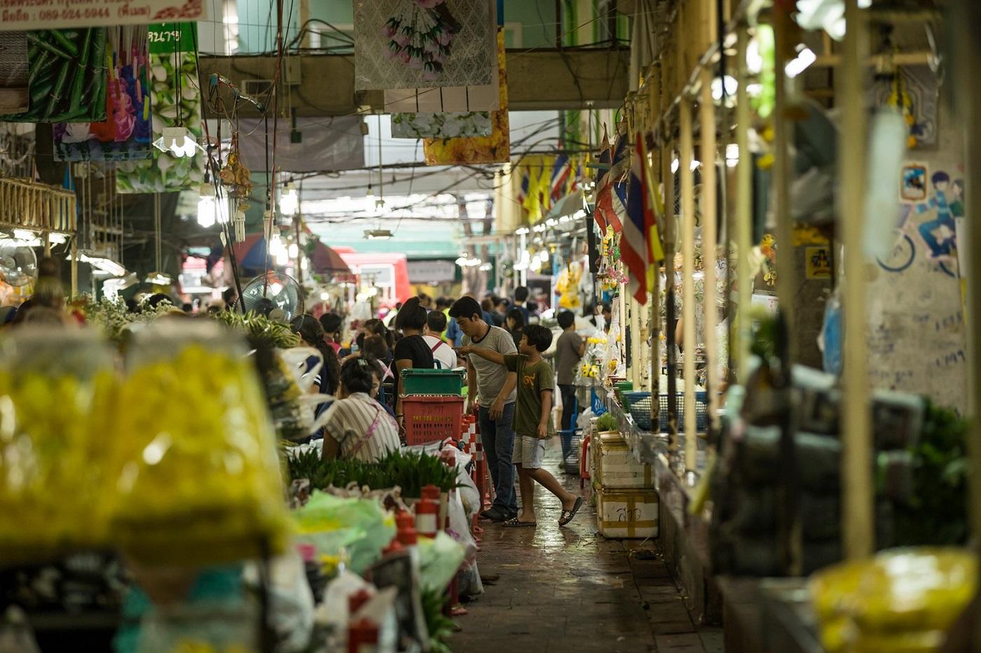 bangkok markets pak khlong flower market