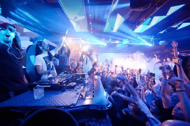 Best Nightclubs in the World - Smartbar, Chicago