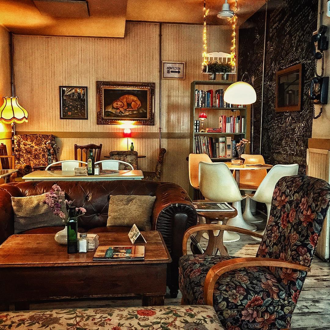 bares modernos madrid,cafe de la luz @