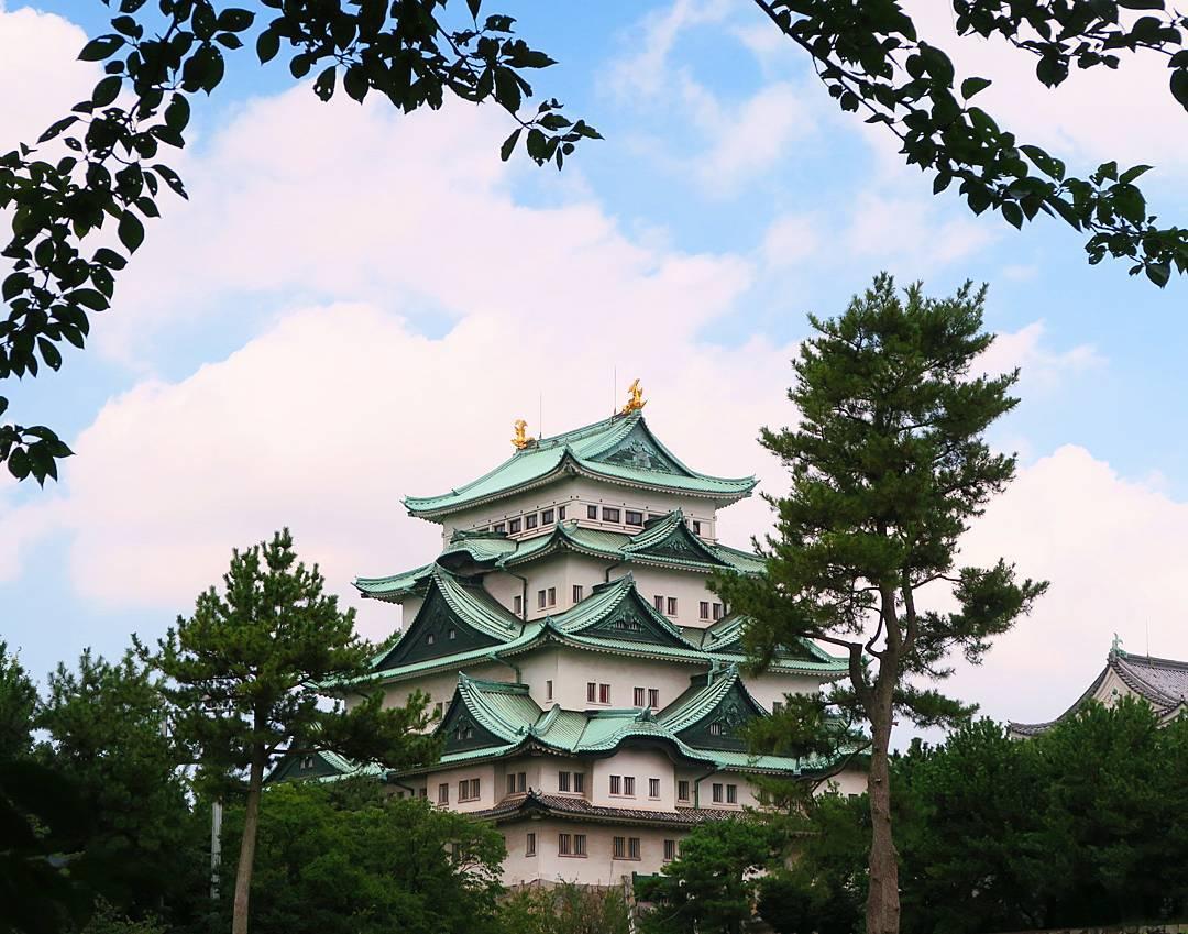 best places to visit in japan Nagoya castle @mochi.bomb