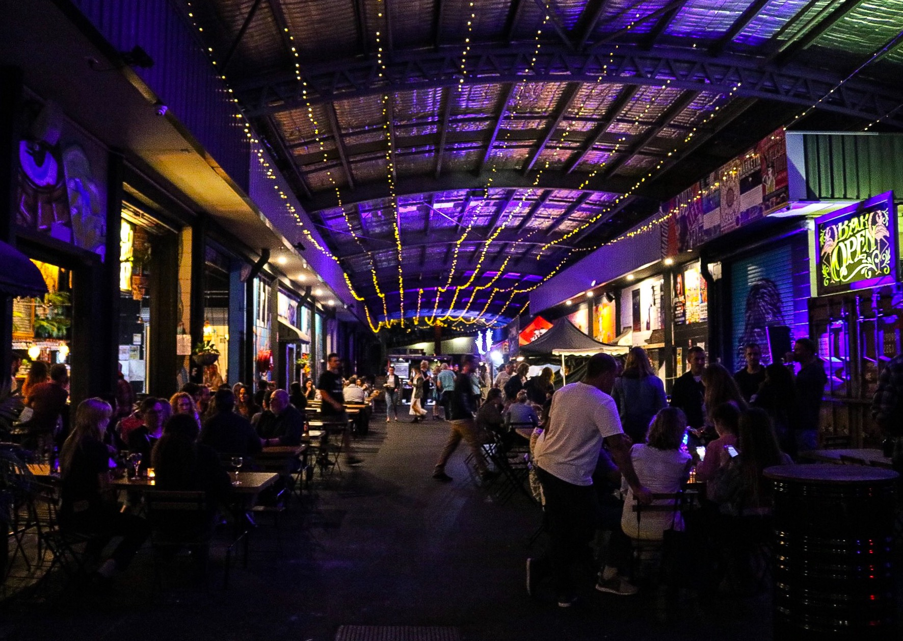 Things to Do on The Gold Coast - Miami Marketta - Indoor Market and Live Music