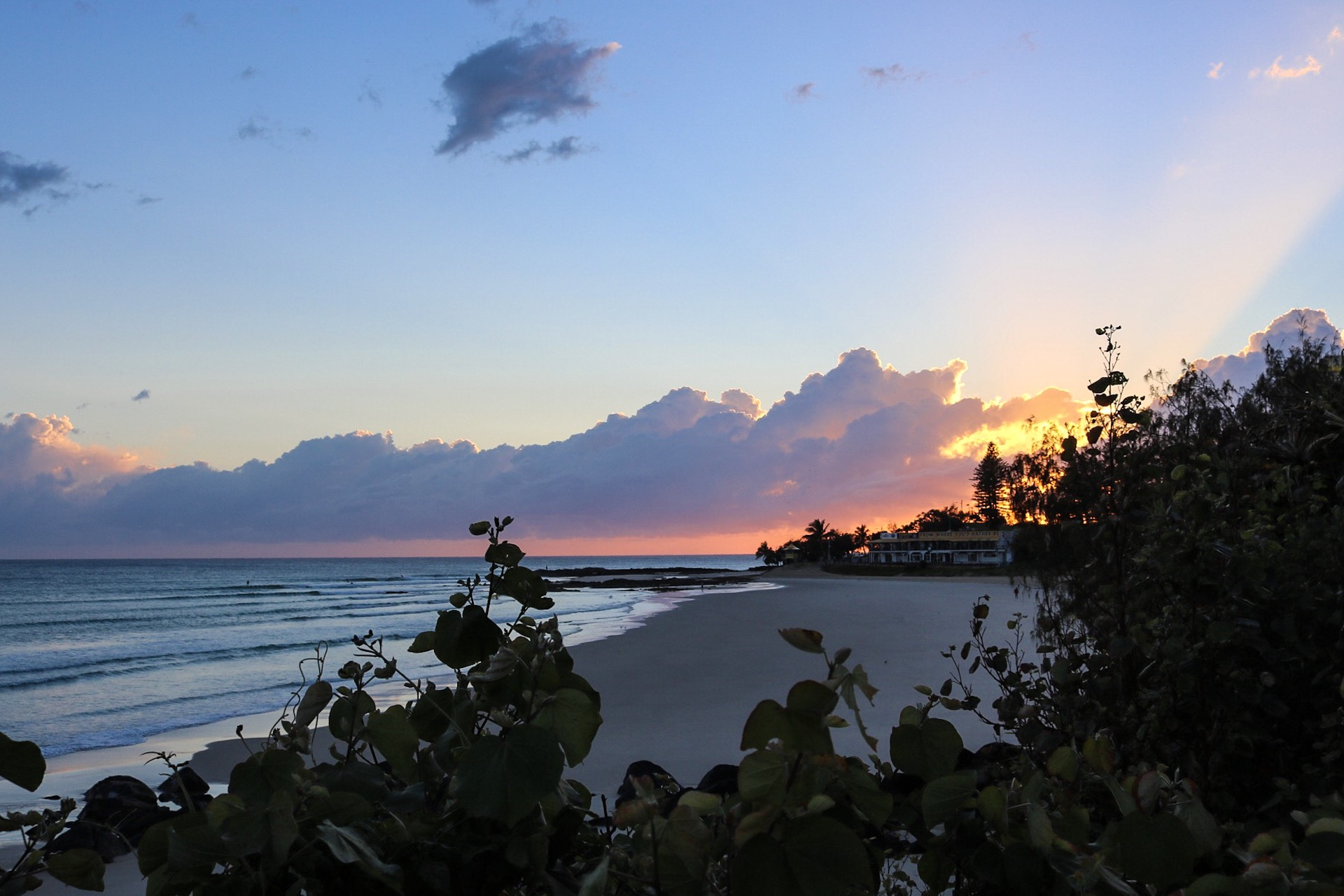 Things to Do on The Gold Coast - Sunset BBQ at Rainbow Bay in Coolangatta