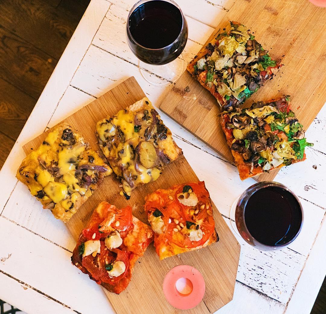 Cheap Eats in Paris - Hank Vegan Pizza