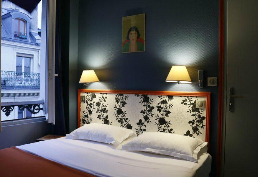 Best Hostels in Paris - Plug Inn Montmartre by Hiphophostel
