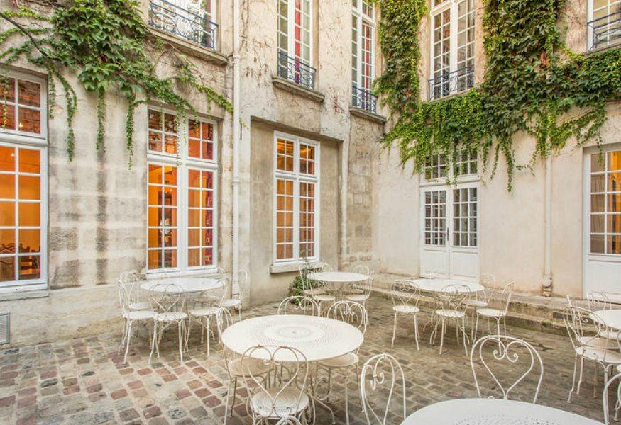 Best hostels in Paris - MIJE hostel yard