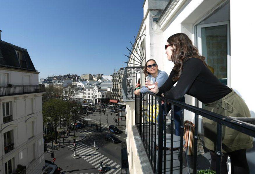 Best hostels in Paris -Le Regent Hostel Montmartre Terrace