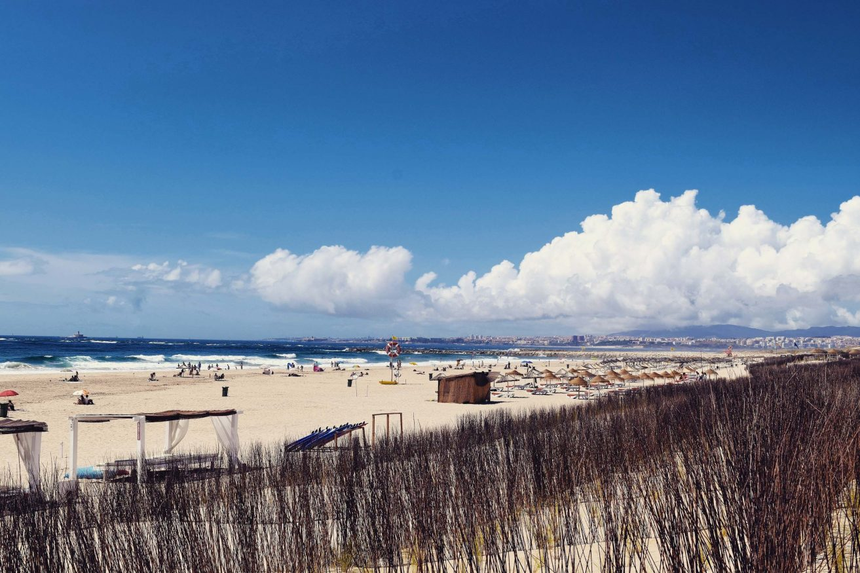Day trips from Lisbon @travelsewhere Costa da Caparica