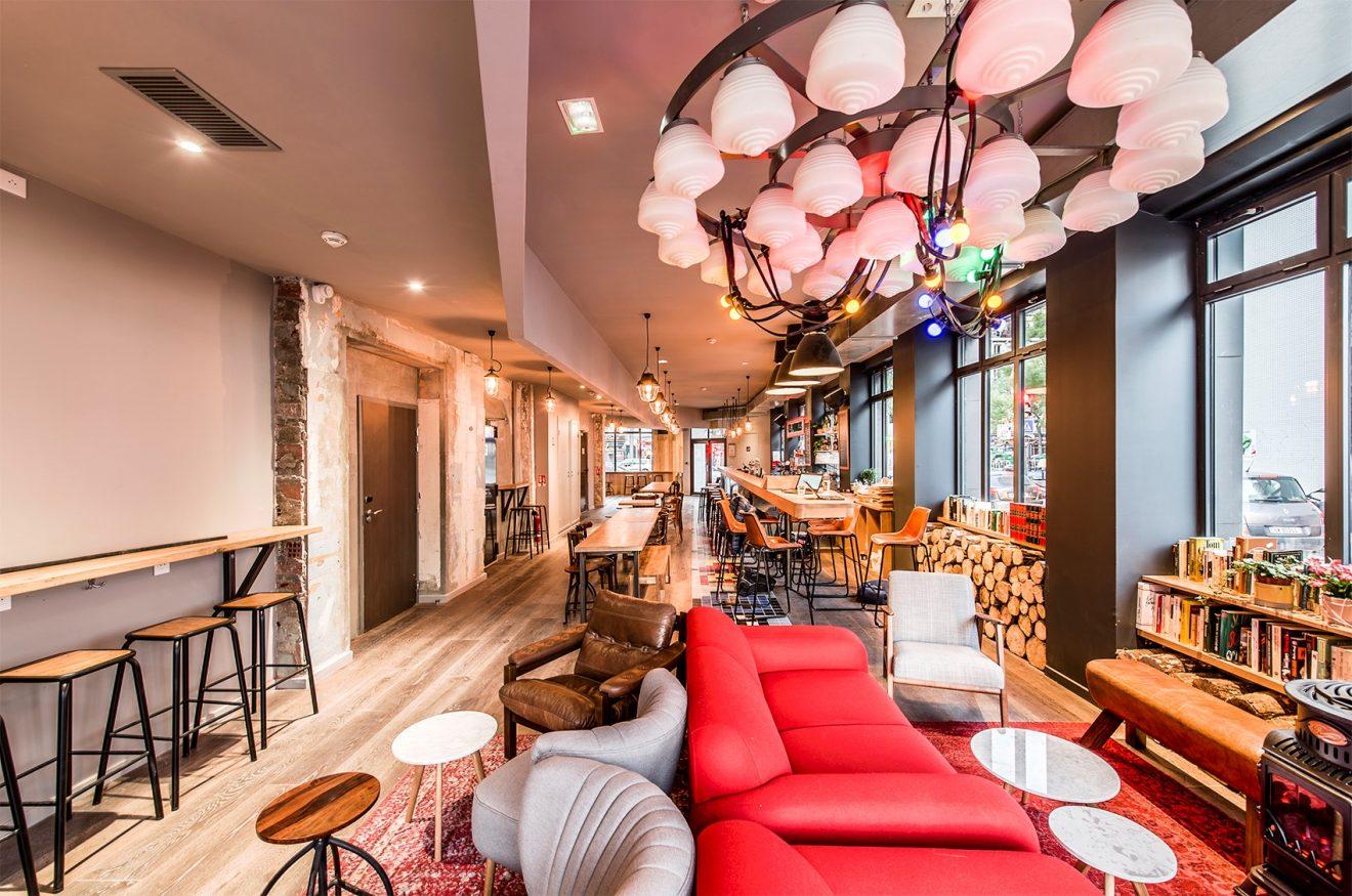 best hostels in france - les piaules