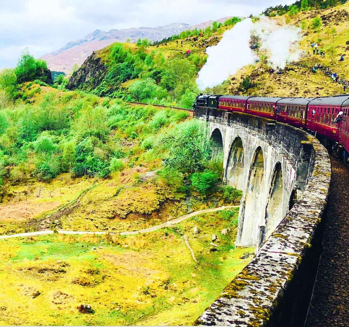 Harry Potter Scotland Glenfinnan Viaduct and train