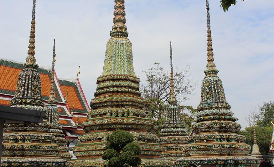 backpacking thailand - thai religion