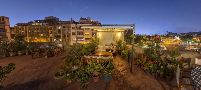 Hostel Casaltura by night - Best hostels in Santiago