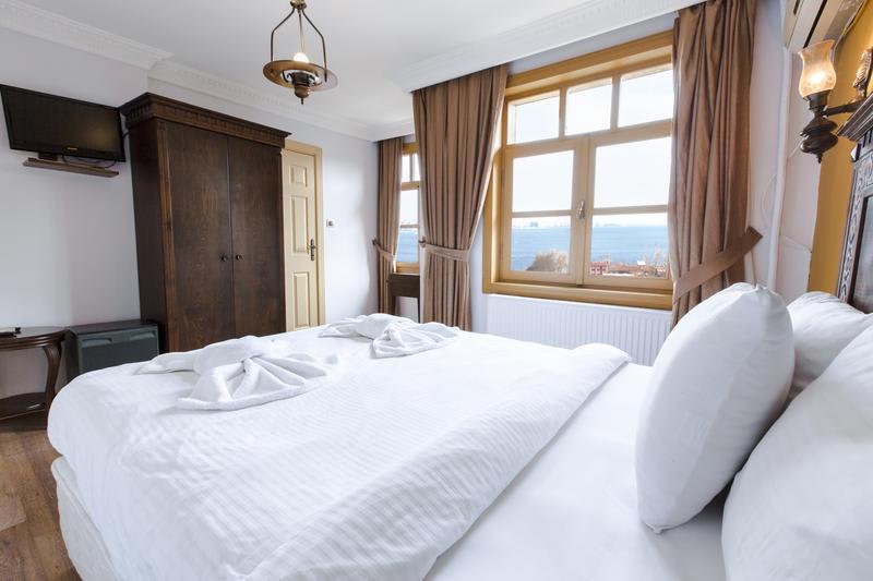 Private room in Cheers Vintage Hostel - Best hostels in Istanbul