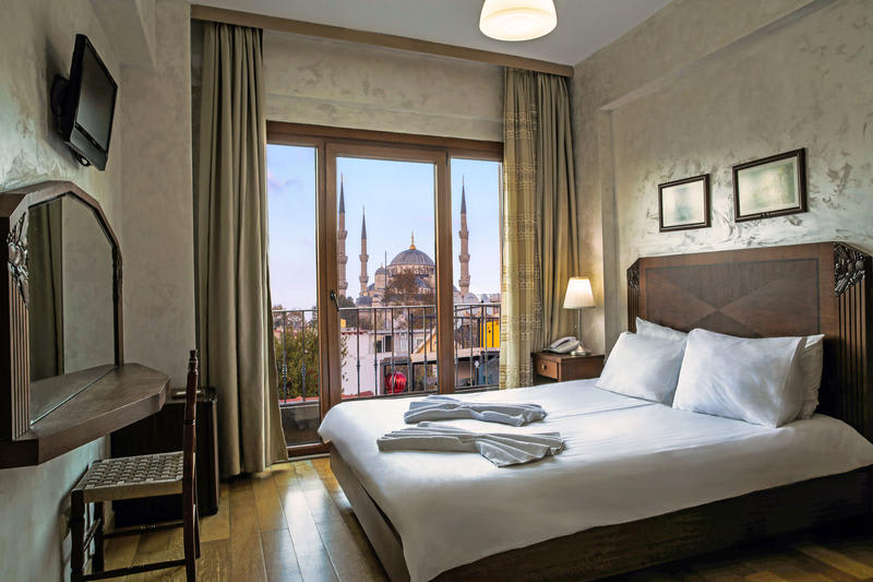 Private room in Bucoleon By Cheers Hostel with view over Blue Mosque
