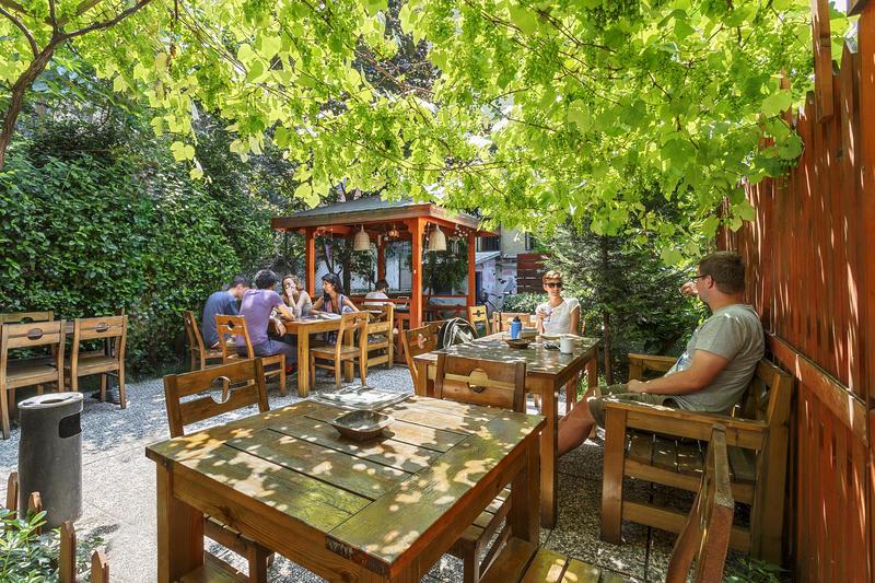 Hush Hostel Lounge's leafy outdoor area - Best hostels in Istanbul
