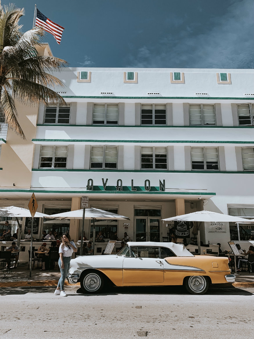 free things to do in Miami - art deco district