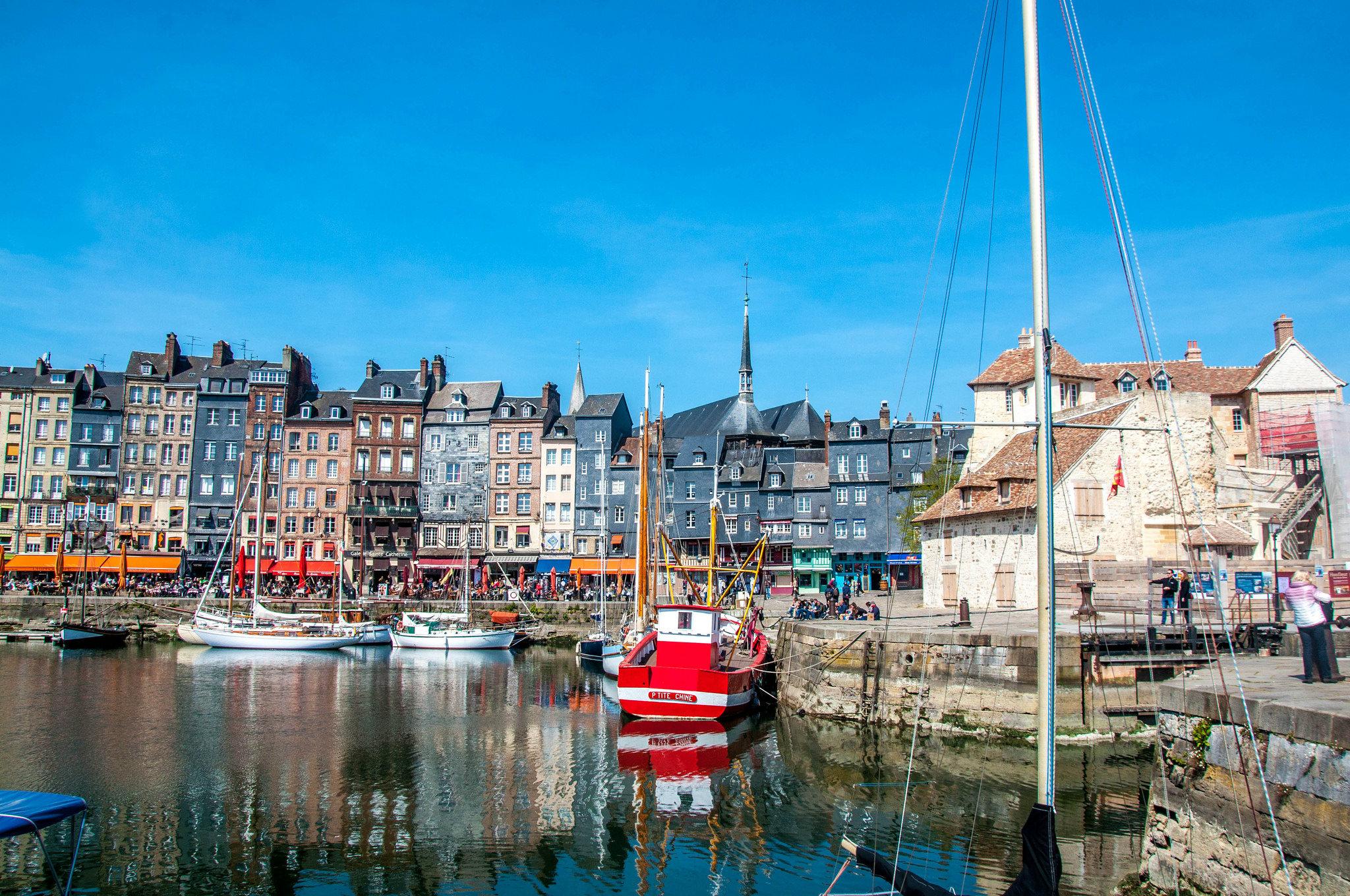 Normandia cosa vedere - Honfleur @Tony Shertila via Flickr