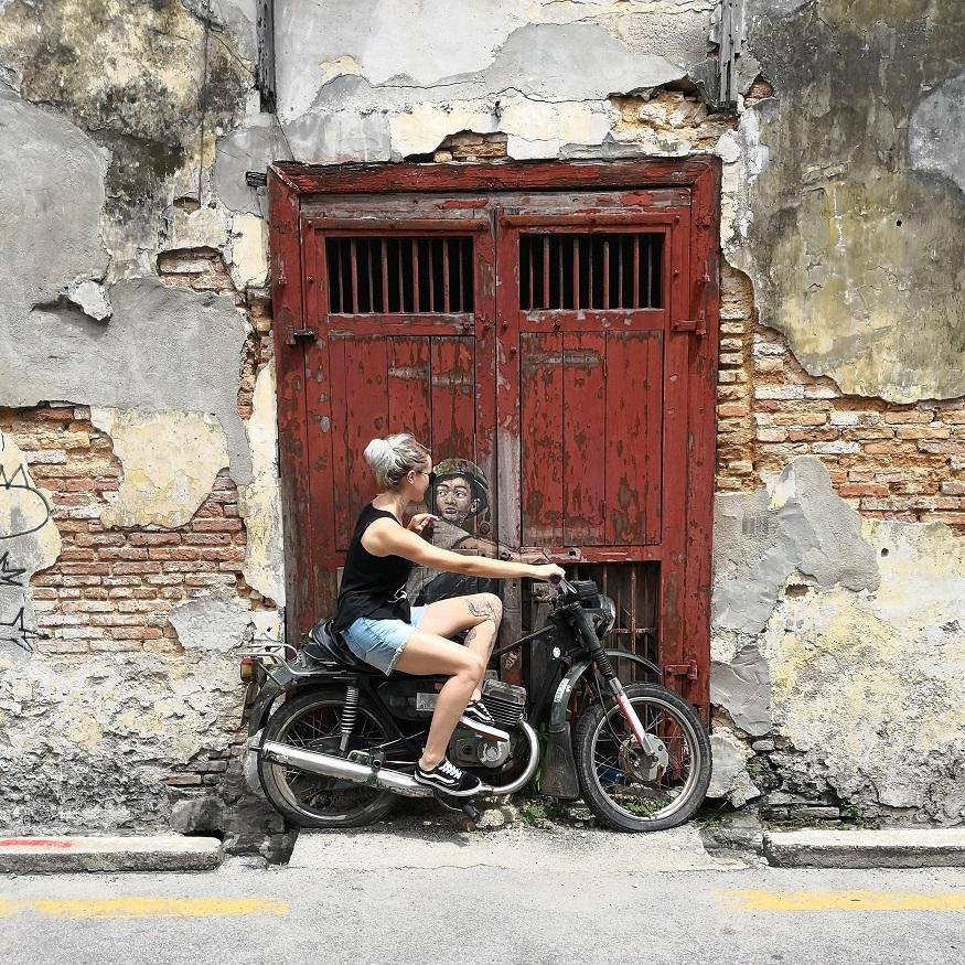 backpacking malaysia - Penang - street art - motor bike