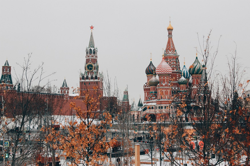 backpacking russia, moscow buildings with snow