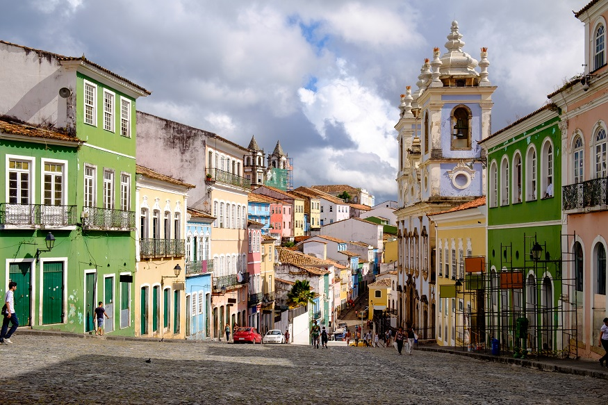 backpacking brazil, coloured houses in salvador