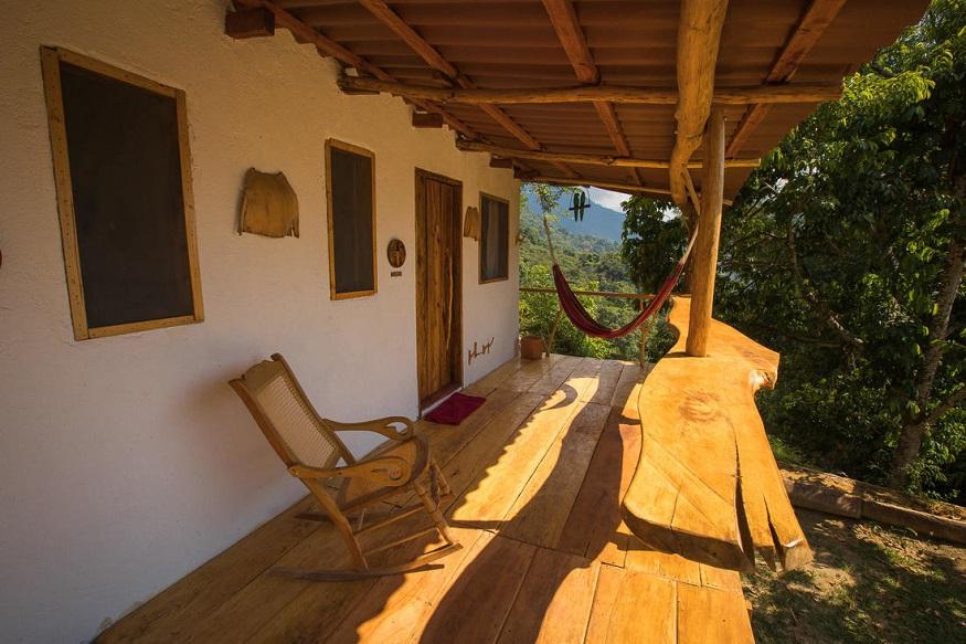 eco-friendly hostels, outside of Muendo Nuevo Minca hostel with veranda