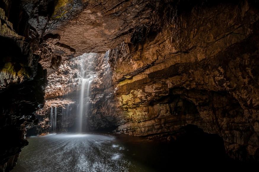 scotland road trip, smoo cave