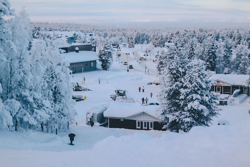 que faire en laponie - maisons sous la neige