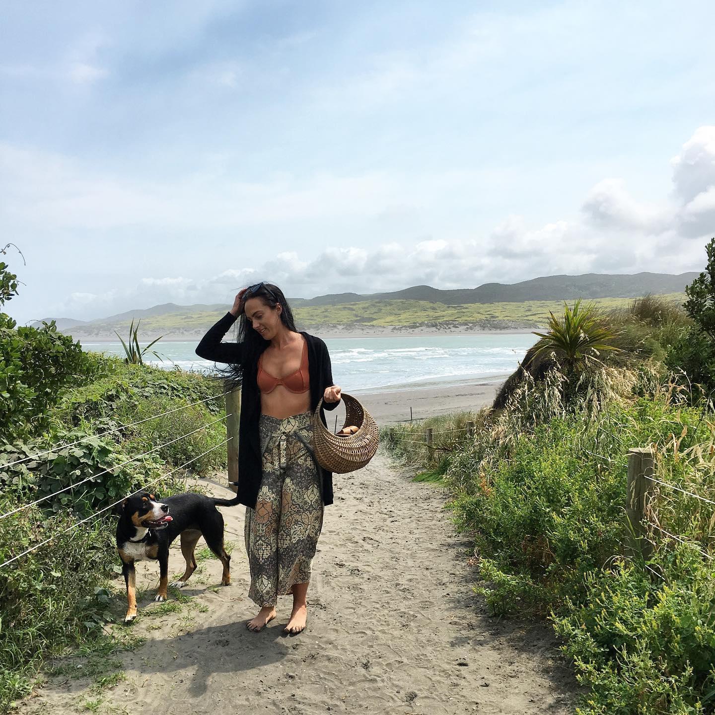 best backpacking destinations - Raglan Nouvelle-Zélande @otsu_91
