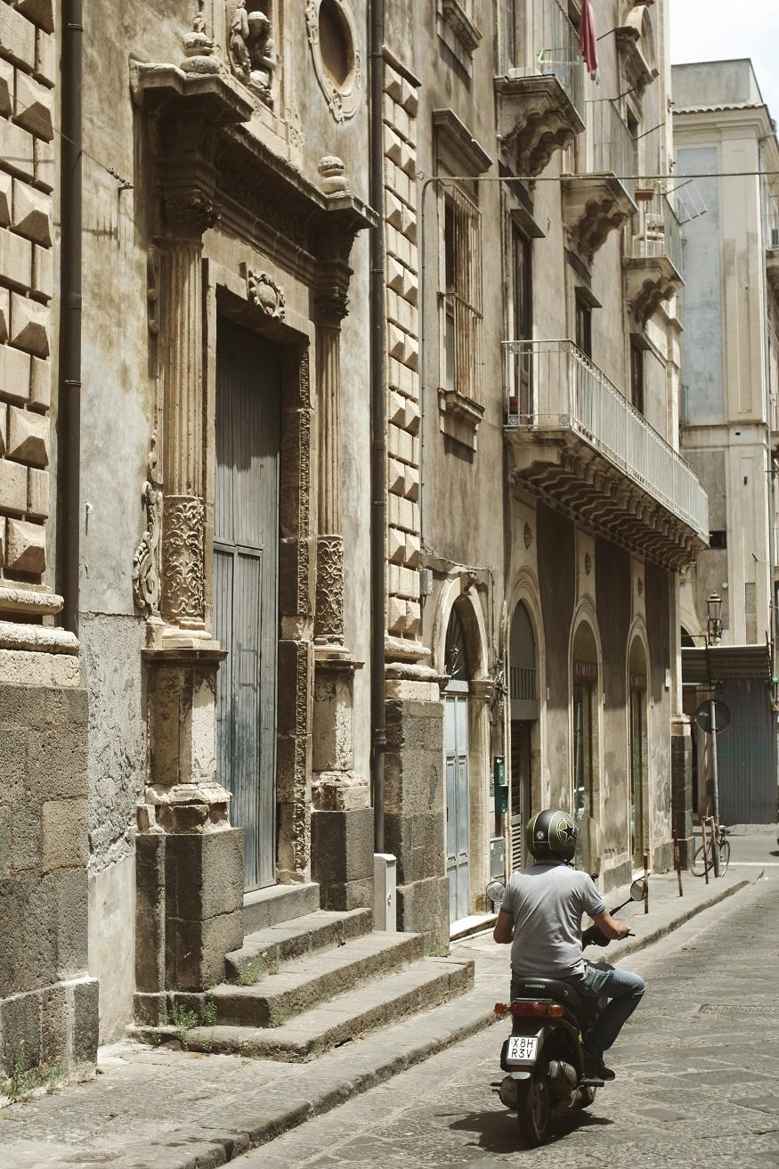 Cosa vedere in Sicilia - strada di Catania