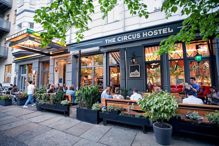 Berlin LGBT nightlife - the circus hostel