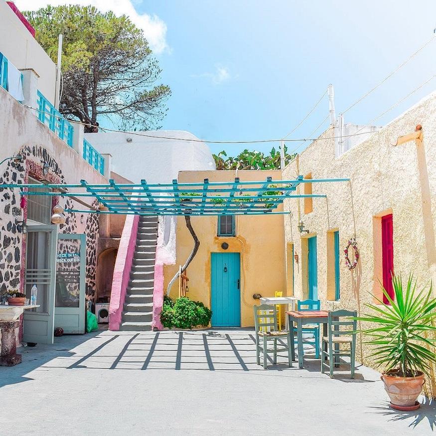 female hostel owners, Caveland – Santorini, Greece