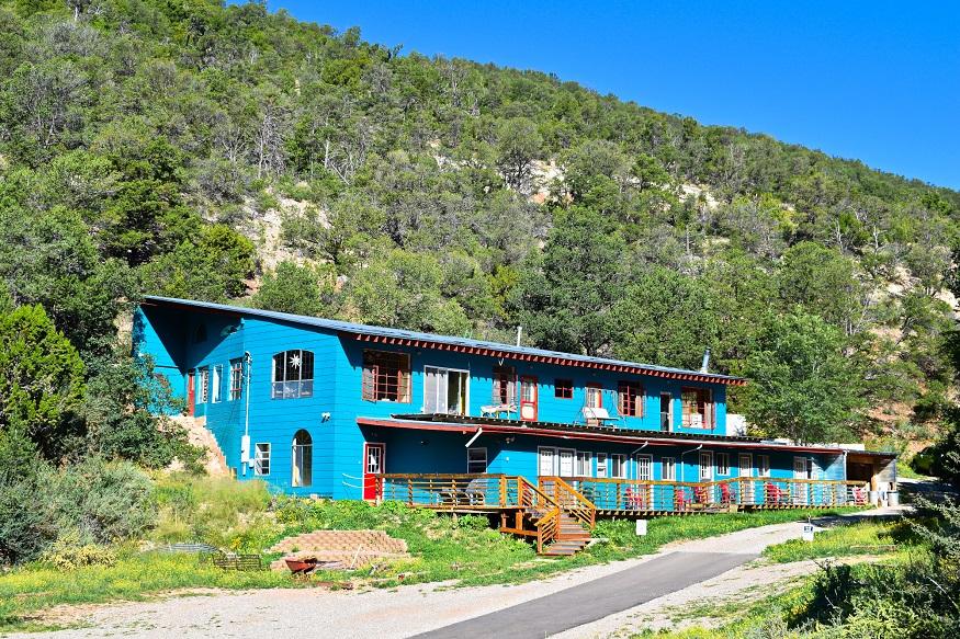 female hostel owners, Cloudcroft hostel