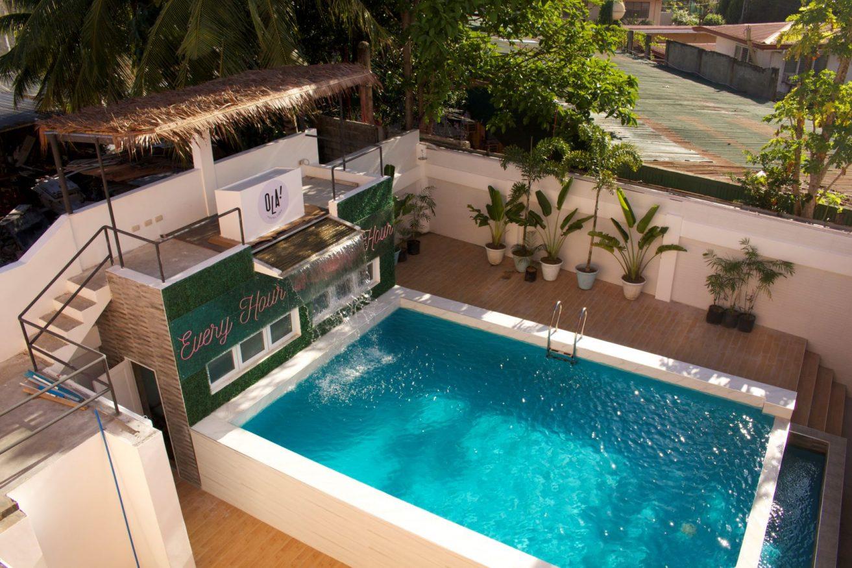 The pool at Ola Hostel Cebu , nominated for extraordinary new hostel award